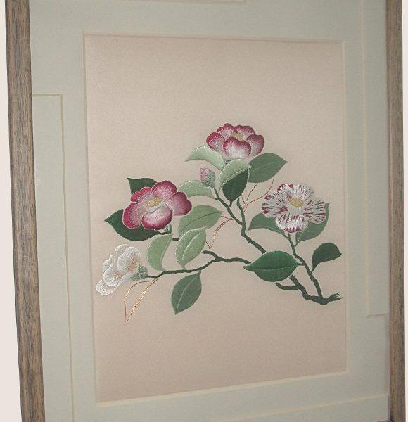 """Tableau en broderie japonaise """"Camellias"""""""