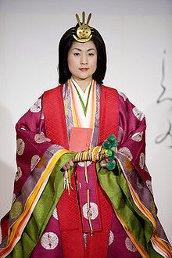 Costume japonais traditionnel : le junihitoe