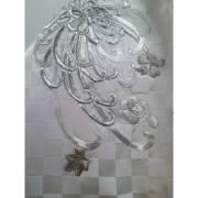 Étole en soie, brodée d'un motif de chrysanthème argenté
